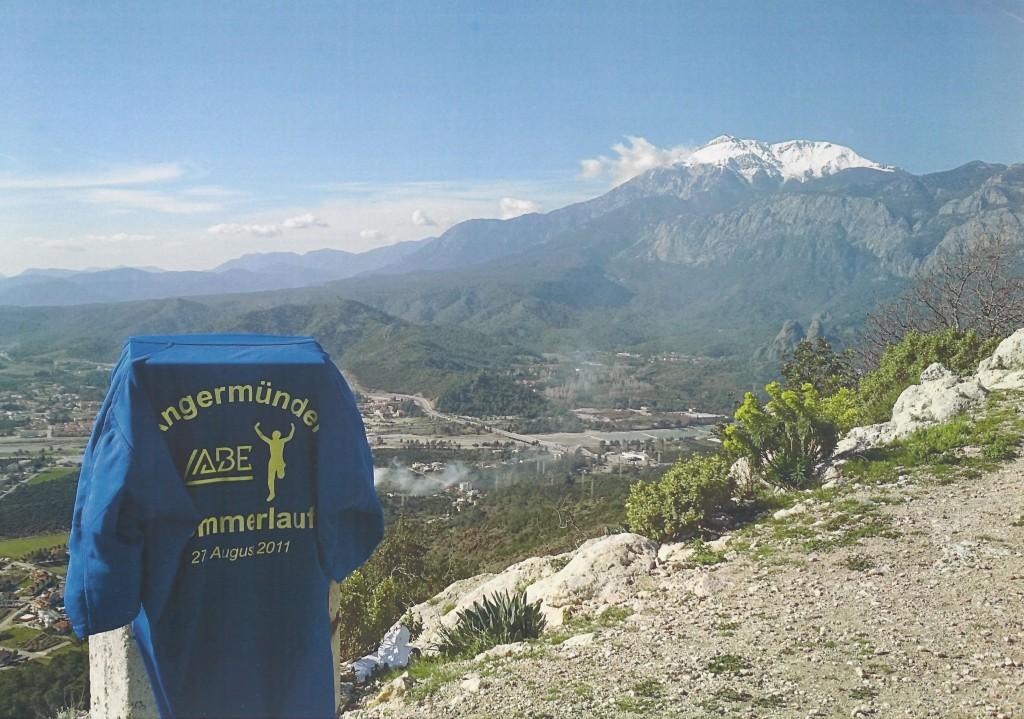 Sommerlaufshirt von Bernd (Bad Pyrmont) in die Berge der Türkei getragen